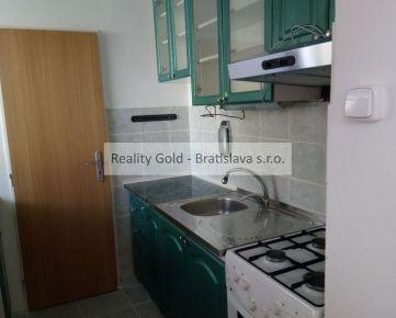 RK Reality Gold - Bratislava s.r.o. ponúka  4 izb. byt v obci Vištuk