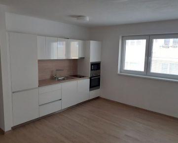 CENTRUM - NOVOSTAVBA 2 izb. bytu s balkónom