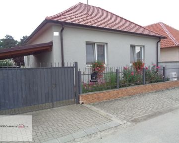 K&R CARPATIA-real * TOP PONUKA * Krásny Rodinný dom s altánkom - krbom - pekným pozemkom - Dolné Zelenice