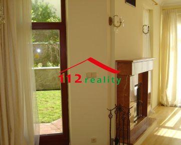 112reality - Na prenájom nezariadený 4 izbový byt s krbom, terasou a záhradou v mestskej vile v Horskom Parku, Búdkova