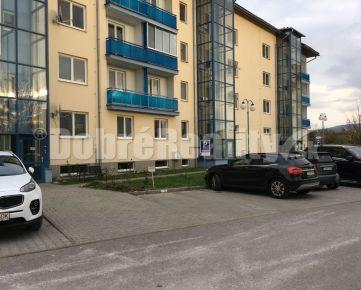 Prenájom nadštardantného 2 i zariadeného bytu Rákoš/Zvolen s parkovaním