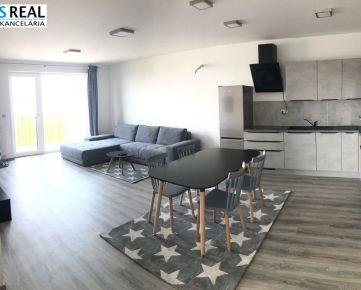 NA PRENÁJOM: Novostavba- priestranný, zariadený 3 izbový byt s 2 balkónmi a garážovým státím !