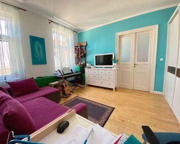 TOP PONUKA: Exkluzívne ponúkame na predaj skutočne výnimočný 4 izbový byt v centre mesta na Grosslingovej ulici.