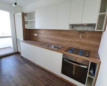 JEDĽOVÁ - kompletne zrekonštruovaný byt v príjemnej lokalite - VRAKUŇA