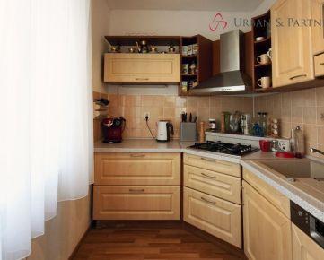 3 izbový útulný kompletne prerobený byt v tehlovom dome pri Štrkoveckom jazere.