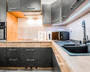 PRI PARKU - 1 izbový byt po KOMPLETNEJ rekonštrukcií, KOMPLET zariadený