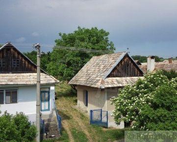 Priestranná čiastočne zrekonštruovaná chalupa s priestranným pozemkom v Štiavnických vrchoch - Beluj