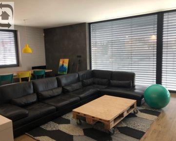 Dva rodinné domy na Trnávke na predaj - Rodinné domy sa dajú kúpiť aj samostatne