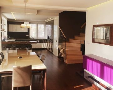 Exkluzívny veľký 5izbový dvoj -podlažný mezonetový byt (204m2) na Belvederi s veľkou terasou 254m2