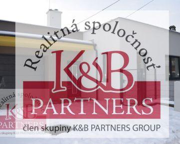 Ponúkame Vám na predaj novostavbu nízko-energetického rodinného domu v radovej zástavbe v Trenčíne, časť Kubrá.