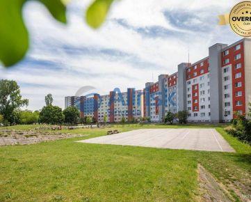 VÝBORNÁ PONUKA - Zrekonštruovaný 2 izbový byt, Lotyšská ulica