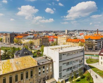 HERRYS - Predaj 2 izbového bytu s priamym výhľadom na Bratislavský hrad a veľkým garážovým státím, VEŽA I (A)
