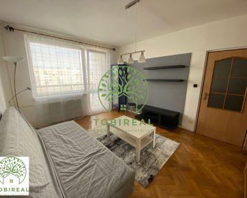 2 izbový byt s loggiou na prenájom v centre mesta
