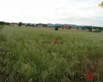 Na predaj stavebný pozemok v obci Suchá nad Parnou.