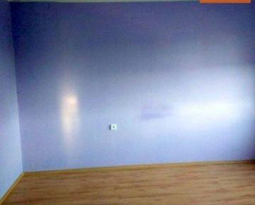 Na PREDAJ dvojizbový byt vo Fiľakove po rekonštrukcii ! 63m2. CENA: 25 990,00 EUR