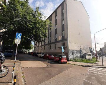 Predaj 2i nebytového priestoru (42 m2) po rek. na Jelenej ul.