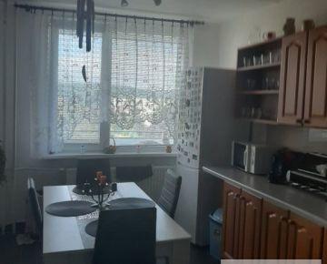 3-izb.byt s 6m logiou,pražský typ, Zombova ul,KE-časť KVP