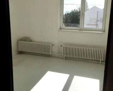 Samostatná kancelária 17 m2, v centre Podunajských Biskupíc