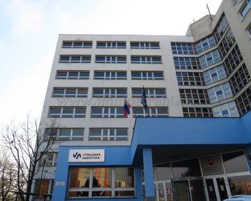 Administratívna budova 5700 m2 (1 PP + 8 NP) na predaj na Hanulovej ulici v Bratislave