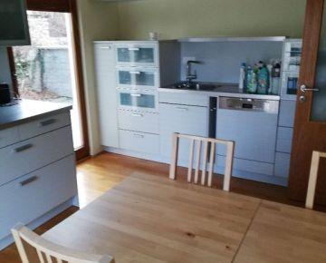 Prenájom: 6 izbový rodinný dom, Segnáre, Lamač, Bratislava IV, zariadený, parkovanie, dve bytové jednoty aj na bývanie aj na podnikanie, resp. kombináciu oboch
