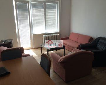 3 izbovy byt v Ruzinove na prenajom