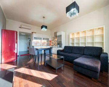 PET FRIENDLY Veľmi pekný, klimatizovaný 2 - izbový byt, Staré mesto