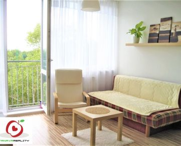 TRNAVA REALITY - 2 izb. byt s francúzskym balkónom v meste Bratislava - Podunajské Biskupice