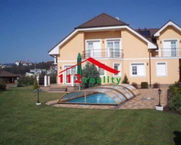 112reality - Exluzívna 7 izbový rodinný dom s bazénom a dvojgarážou Bratislava I, Staré mesto, Hrebendova
