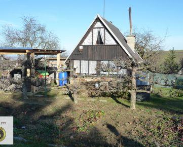 ZĽAVNENÉ • Na predaj záhradka s chatkou a pivnicou v Skalici - lokalita Hájky