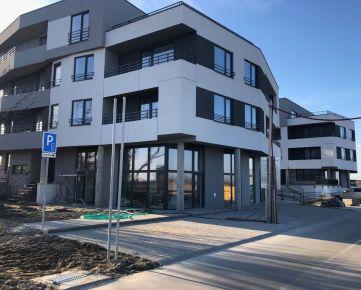Predaj skolaudovaného 2 izb. byt s veľkou terasou 22 m2,v štandarde a s garážovým park. miestom