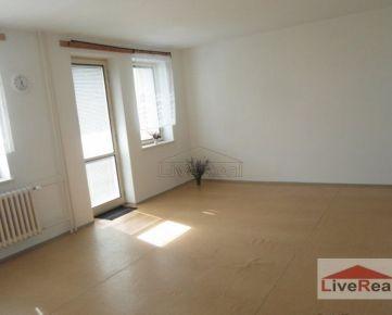 Slnečný, veľký, 1 izb, 52m2, loggia, bezbariérový prístup, bezproblémové parkovanie, p.1, Staré mesto, Martinengova