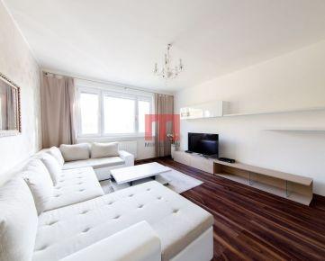 REZERVOVANÝ - Na predaj 3 izbový byt s výbornou dispozíciou na Ševčenkovej ulici