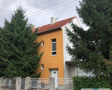 Prenájom domu na kancelárske účely s bezproblémovým parkovaním, ul. Považská, BA III - Nové Mesto