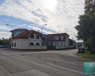 NA PREDAJ Bratislava II. - 8 izbový rodinný dom - ul. Korytnická, Podunajské Biskupice - v Bratislave