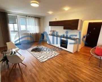 VYNIKAJÚCA PONUKA - Kompletne Novo Zrekonštruovaný 1, 5 izb. byt s lod
