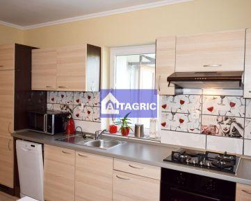 3209 Na predaj 2+1 izbový rodinný dom v Okoličnej na Ostrove po kompletnej a kvalitnej rekonštrukcie
