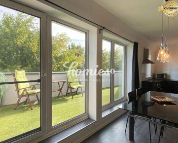 PRENÁJOM luxusný 2,5-izbový mezonet s terasou - centrum