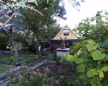BV REAL Na predaj murovaná chata so záhradou 421 m2 Handlová FM1152
