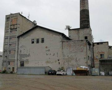 Predaj : Výrobno-skladová hala s administratívnou budovou v Žiline