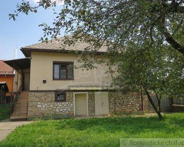 Zachovalý dom na chalupu či bývanie v obci Hrušov.