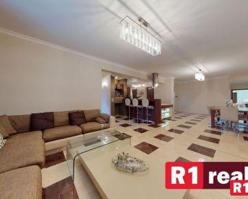 """Luxusná nehnuteľnosť """"SPAHOUSE"""" /330 m2, pozemok 830 m2/ Floreát Piešťany"""