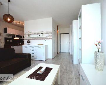 ČIERNA VODA, 1,5-i byt, 35 m2 – slnečný, moderný, NOVOSTAVBA, vlastný parking, KOMFORTNE ZARIADENÝ