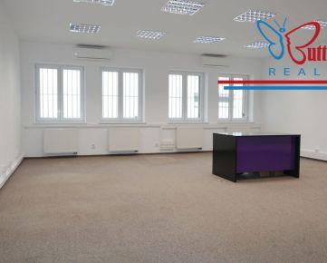 NA PRENÁJOM: RD na kancelárske účely 390 m2, BA-Nové Mesto, Záborského ul.