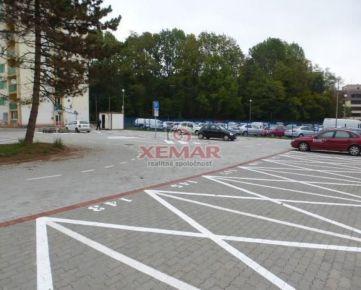 Na prenájom parkovacie miesta na Hornej ul. v Banskej Bystrici