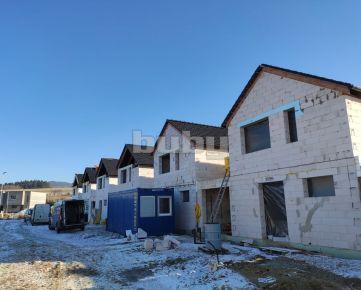 Rodinné domy s garážou a 2 terasami na predaj, Diaková, okres Martin