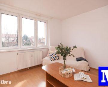 REZERVOVANÉ- Čiastočne zrekonštruovaný 1izb. byt s možnosťou prerobenia na dvojizbový, samostatná kuchyňa, pivnica