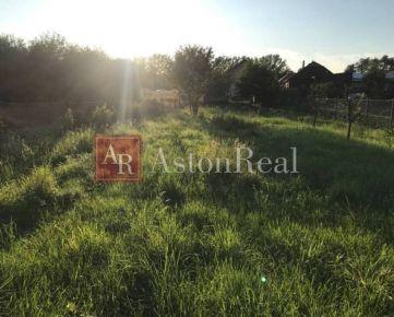 Aston Real ponúka na predaj krásny slnečný pozemok v RAJCI
