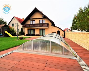 Na prenájom novostavba rodinný dom, bazén, sauna, 750 m2, Košeca