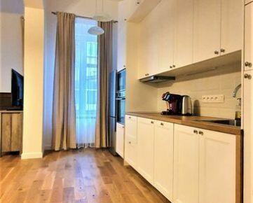 KRÁSNY 3-izbový byt - CENTRUM ST. MESTA