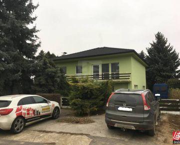 Direct Real - REZERVOVANÉ Rezervované - Priestranný 6 izbový rodinný dom v Podolí